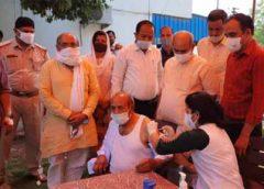 परिवहन मंत्री मूलचंद शर्मा के कार्यालय पर लगा कोरोना वैक्सीनेशन कैंप